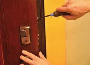 ремонт замков в металлических дверях
