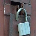 Как открыть замок с помощью шпильки