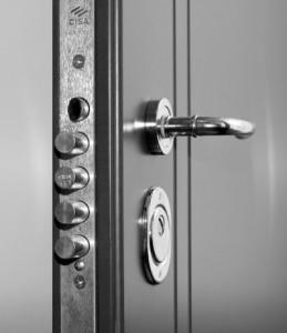механический замок на дверь