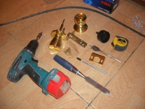 Инструмент для врезки замка